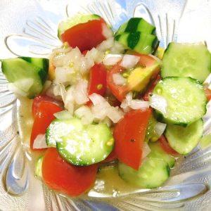 ミニトマトとキュウリのサラダ
