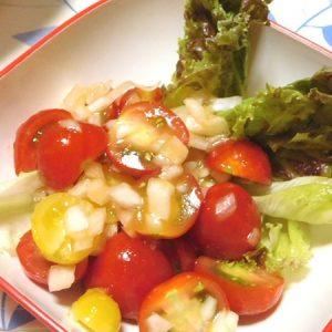 艶HOTのサラダ